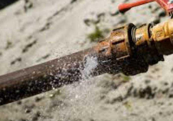 Acqua, Istat: ogni giorno persi 44 mc per km di acquedotto