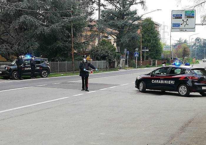 Controlli in strada e nei parchi: denunce a raffica