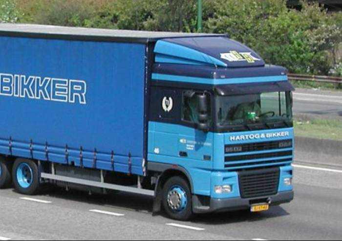 'Autotrasporto e benzinai, no a minacce di stop a servizi essenziali'