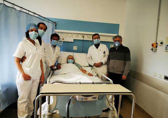 All'ospedale per infezione polmonare, 99enne salvata da infarto