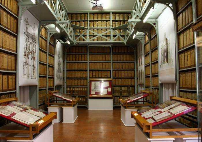 La cultura a casa: in TV l'archivio storico di Modena