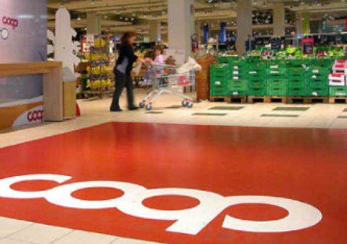 Coop, consegna gratuita della spesa per le persone anziane