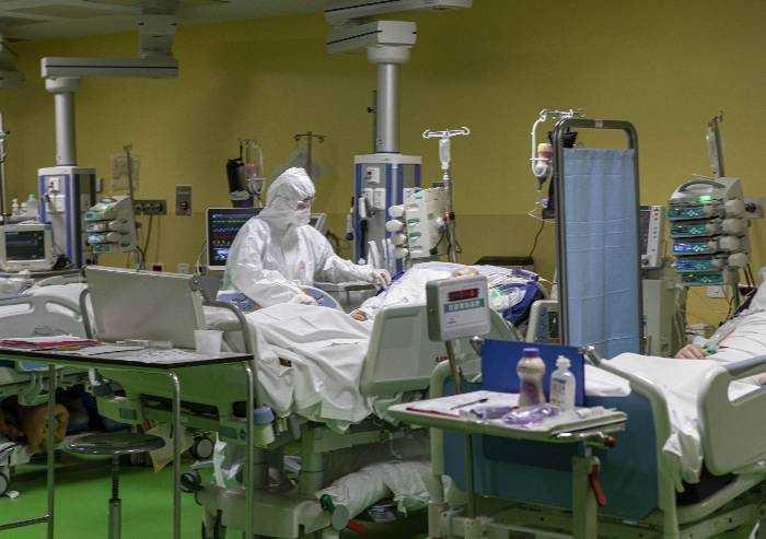 Ma la campagna di tamponi ai sanitari in Emilia Romagna non è ancora partita