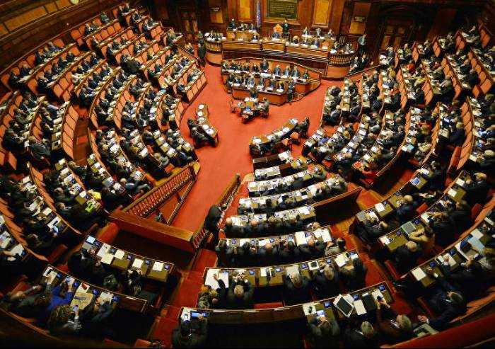 'Taglio stipendi parlamentari? Tornare a reddito pre-elezione'