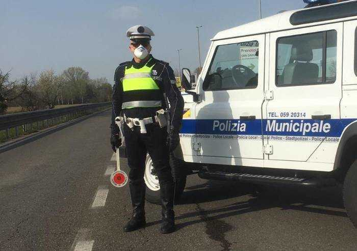 Modena, positiva al virus in giro in bicicletta: denunciata dalla PM