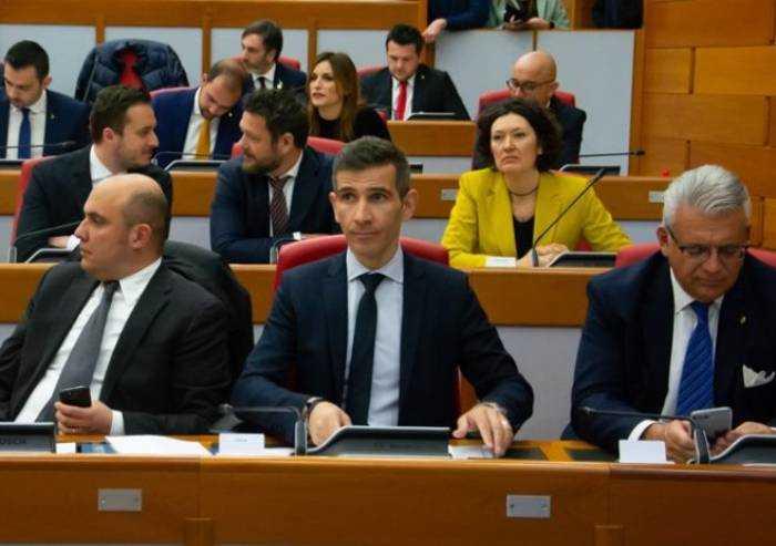 Covid, Barcaiuolo (Fdi): 'Negozio etnico a Modena viola ordinanze'