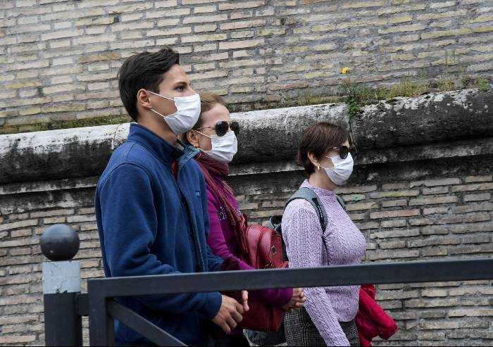 Coronavirus, altra giornata di netto calo di contagi in Emilia Romagna