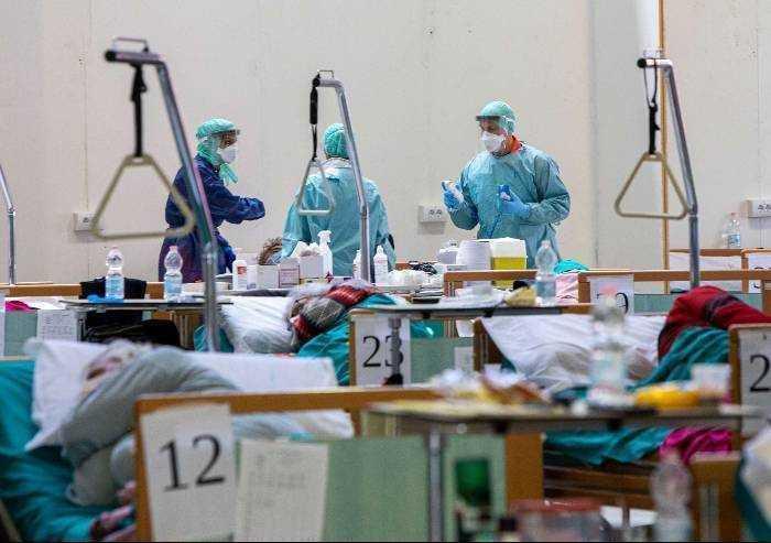 Primo crollo dei contagi, aumento dei guariti, doppio dei deceduti