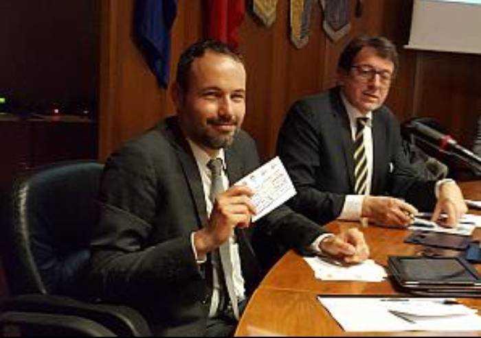 Tasse, Carpi dà lezione a Modena e blocca l'aumento Irpef