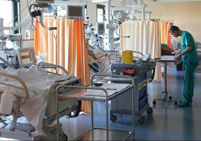 Coronavirus, ancora 83 decessi in un giorno in Emilia Romagna