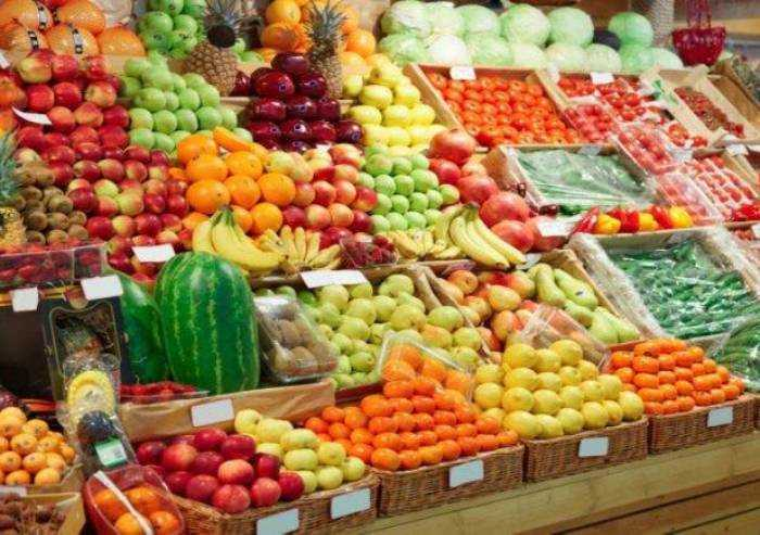 Coronavirus, prezzo frutta sale 40 volte l'inflazione