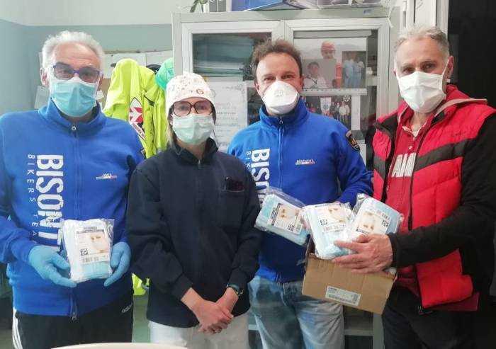 Pavullo: i bikers donano mascherine al Pronto Soccorso
