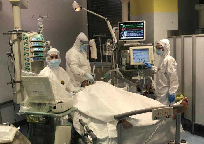 Coronavirus, donati 3,5 milioni in un mese ai 2 ospedali di Modena