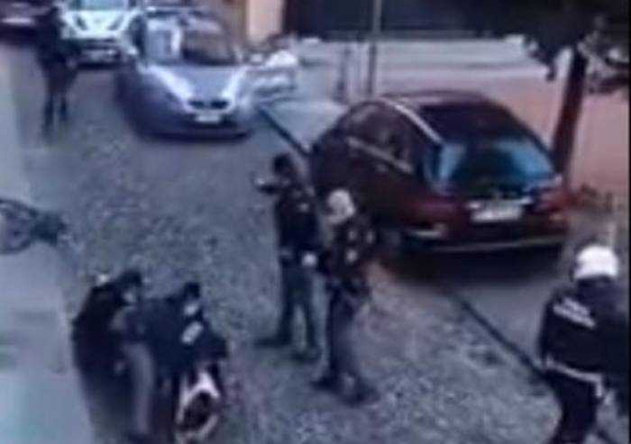 Offese a polizia locale intervenuta in piazza Redecocca, Sulpl querela