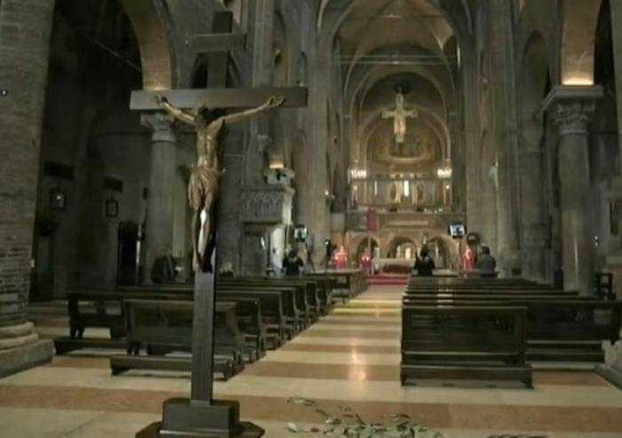 'Messe e covid: pastorale a distanza non funziona. E' solo un alibi'