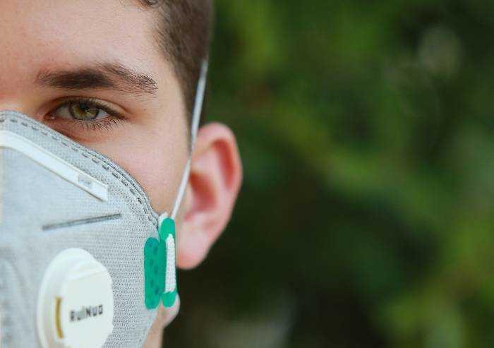 C'è l'ordinanza: da lunedì mascherine obbligatorie in Emilia Romagna