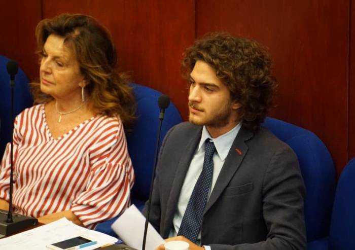 'Sassuolo, inaccettabili offese: i due consiglieri Pd si dimettano'