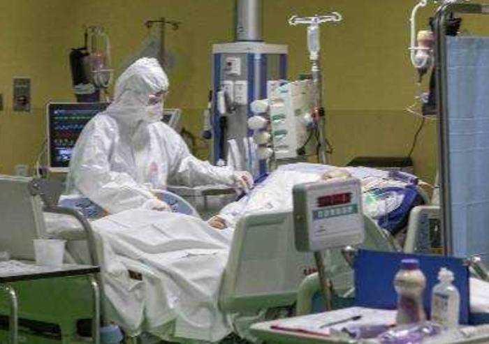 Policlinico e Baggiovara: contagi in lenta riduzione, 21 in intensiva