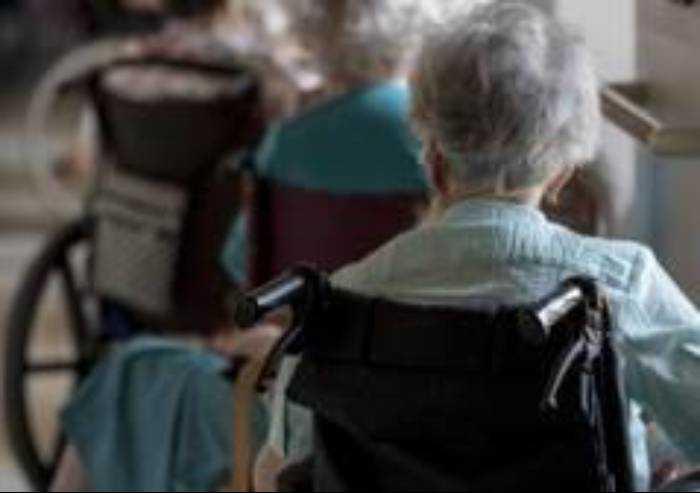 Anziani fragili: bando da 880.000 euro per accoglierne 20 per 3 anni
