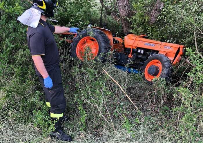 Tragedia a Marano, agricoltore muore schiacciato dal trattore