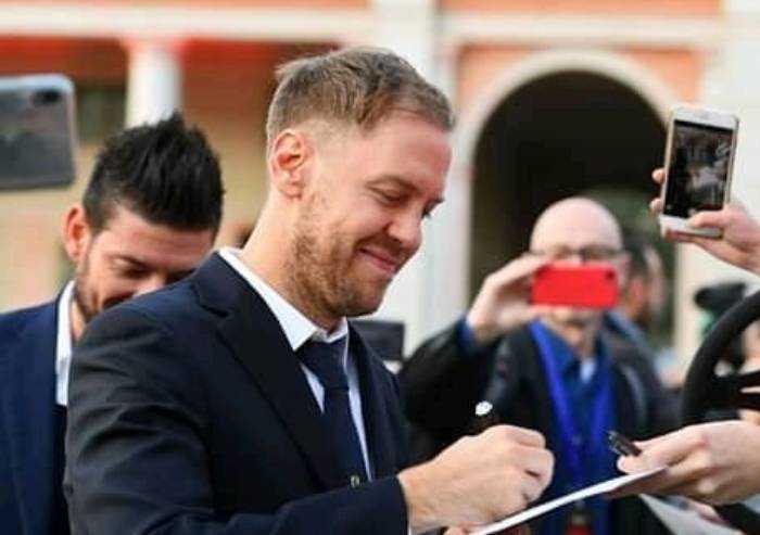 Vettel chiude con la Ferrari: il divorzio è ufficiale