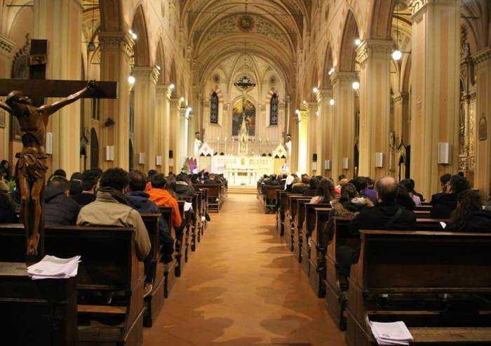 Da lunedì si può tornare a Messa: le regole della Diocesi di Modena