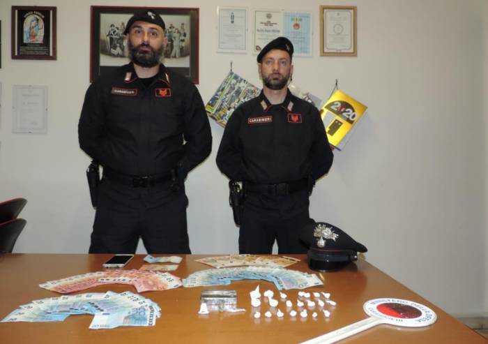 Monete false e droga da spacciare: arrestato a Vignola