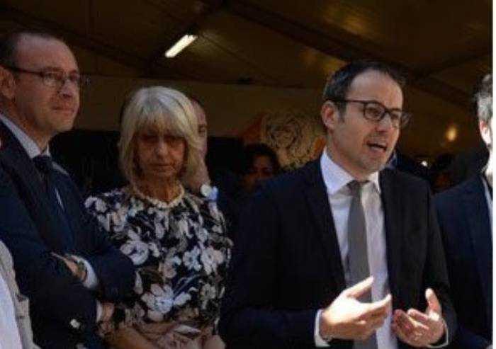 'Aimag, Belllelli veste i panni di oppositore? Non è credibile'