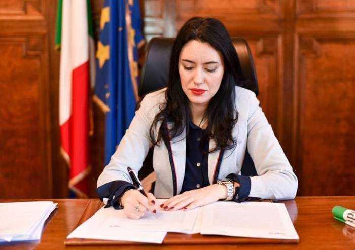 Azzolina: 'Ci saranno regole chiare, da settembre'