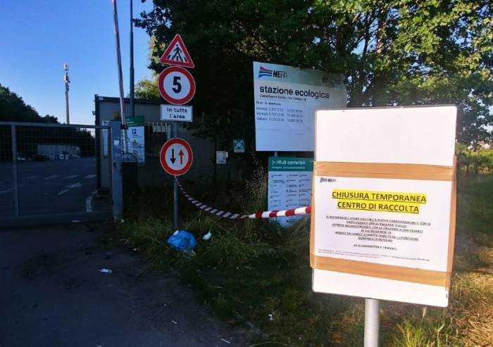 Castelfranco, isola ecologica chiusa: rifiuti passano dalla rete rotta