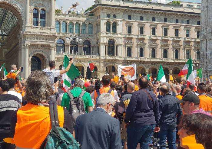 Gilet arancioni, esplode la protesta smascherata a Milano