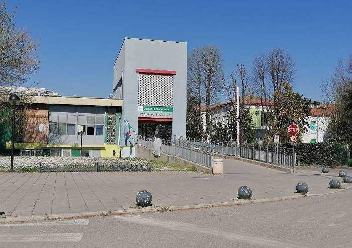 L'ospedale di Mirandola accende e unisce il Consiglio dell'Unione Area Nord