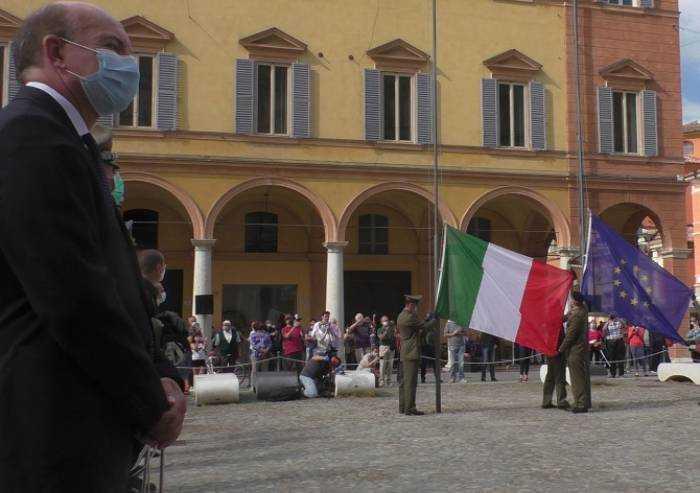Festa della Repubblica, Modena in mascherina celebra l'Italia migliore