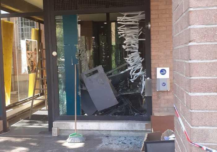 Banda del bancomat a Nonantola, maxi esplosione alla filiale Bper