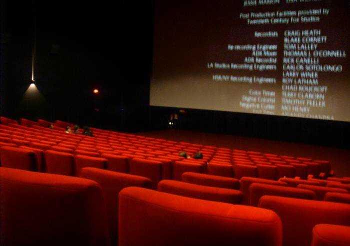 Coronavirus, dal 15 giugno in Emilia Romagna riaprono cinema e teatri