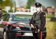 Latitanti, ladri e ricettatori: tre arresti e una denuncia dei CC