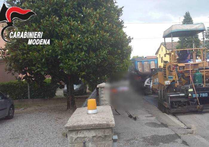 S.Felice: Schiacciato dal Bobcat nel cantiere stradale, muore operaio