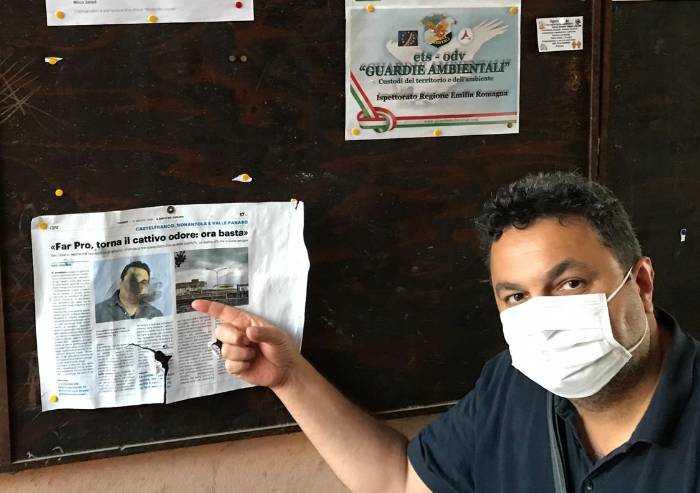 San Cesario, vandali danneggiano bacheca consigliare: denuncia
