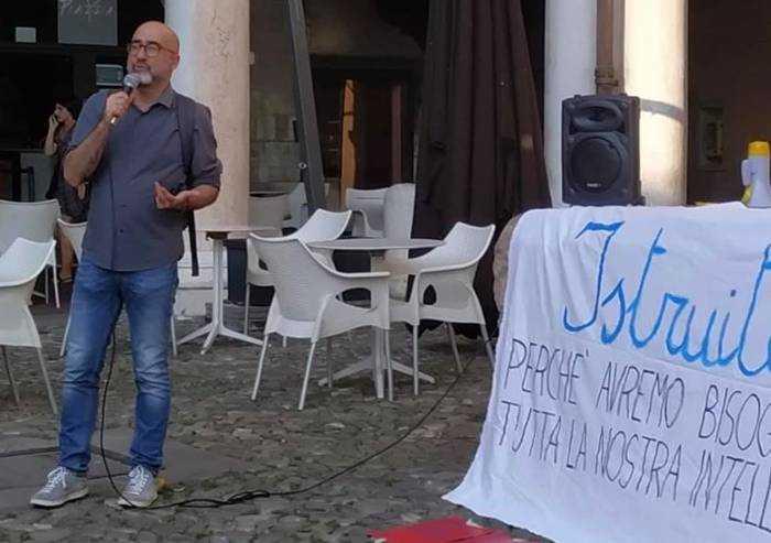 Il mondo della scuola in piazza Grande: 'Al governo chiediamo chiarezza e fondi'