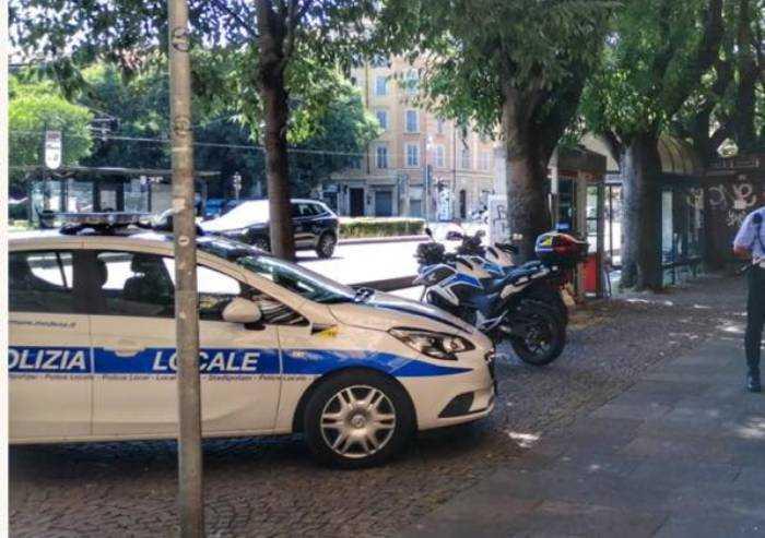 Modena, non rispettano norme covid: multe da 4mila euro a due negozi