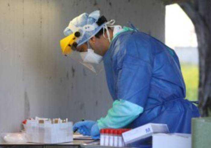 Covid, altri 27 contagiati in Emilia Romagna e due decessi