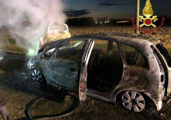 Castelfranco, due auto distrutte dalle fiamme nella notte