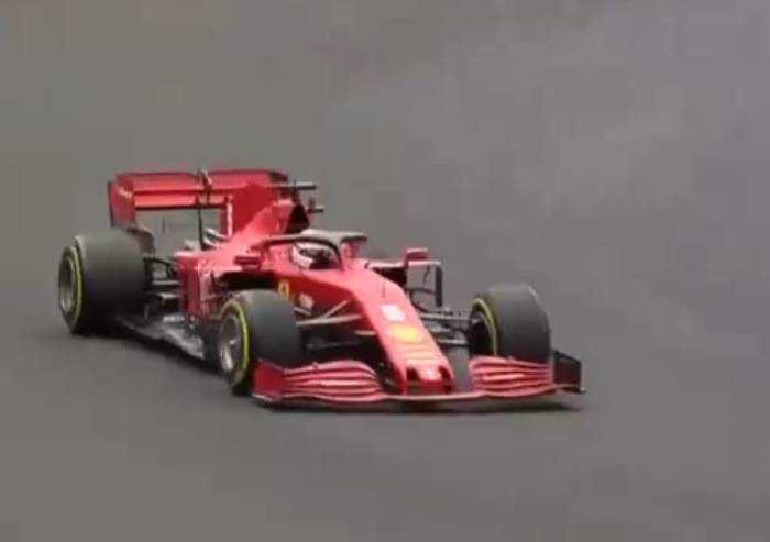 F1: Prova di forza Hamilton, la Ferrari non c'è