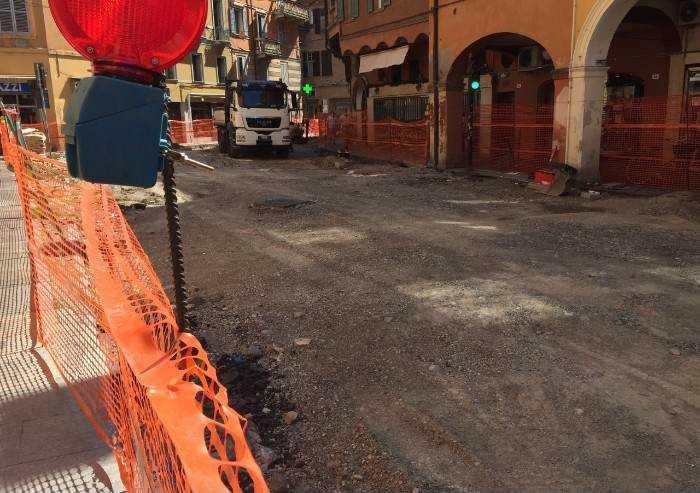 'Modena, centro paralizzato dai cantieri: Muzzarelli imiti Giovannini'