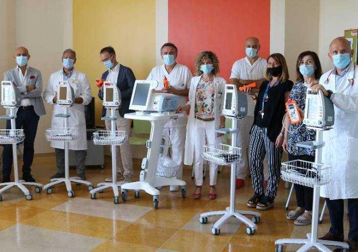 Oncologia Modena, Angela Serra dona ventilatori, saturimetri e monitor