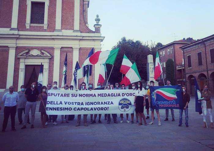 Formigine, Pd dice no a intitolazione a Cossetto. Flashmob: 'Vergogna'