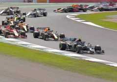 Formula 1, Hamilton buca all'ultimo ..