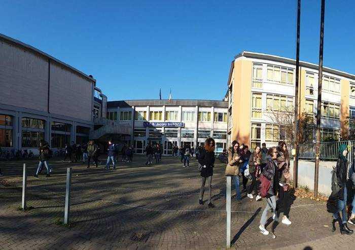 Barozzi 'contro' Muratori, studenti liceo: 'Nostra scuola altruista'