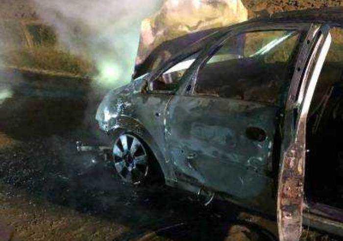 Montese, due auto date alle fiamme: una Fiat 500 e una Alfa Giulia