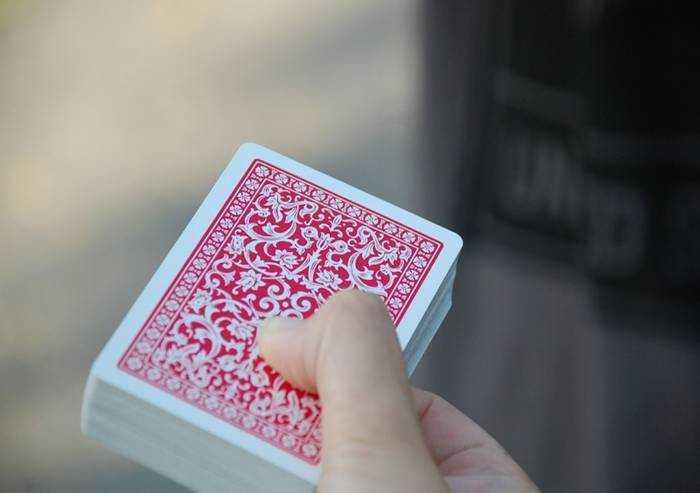 La simbologia delle carte siciliane: tradizione che diventa tendenza